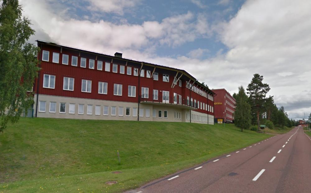 Kasern- och hotellbyggnaderna i Trängslet som numera används som asylboende. Foto: Google Maps
