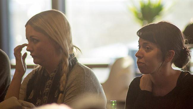 Politisms Margret Atladottir tillsammans med My Vingren. Foto: Nyheter Idag