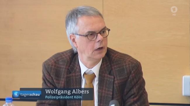 Polischefen Wolfgang Albers är chockad över den nya verkligheten för Kölns kvinnor. Foto: Youtube