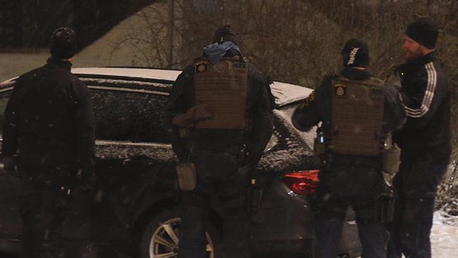 """Piketpolisen förberedde sig för att ta sig an """"terroristen""""."""