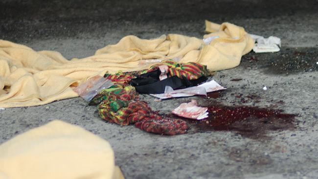 Fotot är taget vid bensinstationen i Fittja där den skjutne mannen blev hämtad med ambulanshelikopter. Foto: Nyheter Idag