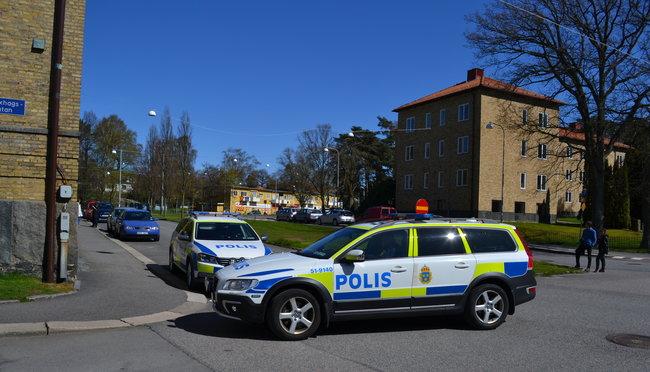 Den skjutne mannen är förd till Sahlgrenska Universitetssjukhuset. Två personer har tagits till förhör. Foto: Nyheter Idag