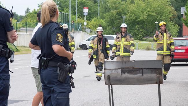 Larm om brand vid skola – Förvånad kock stod vid grillen när brandkåren kom
