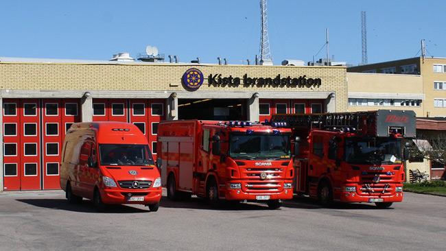 Verktyg var stulna ur brandbilarna på Kista brandstation när de fick larm. Foto: Pressbild Storstockholms brandförsvar