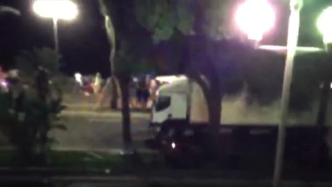 Man född i Tunisien körde lastbilen enligt franska medier – Nu minst 80 döda