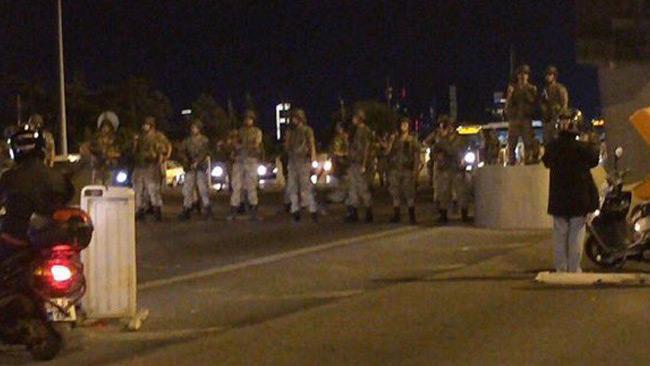 Det finns ännu ingen officiell information om den militära mobiliseringen i Turkiet.