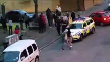 """Oroligheterna i Uppsala fortsätter – Skriker """"filma inte"""" på arabiska"""