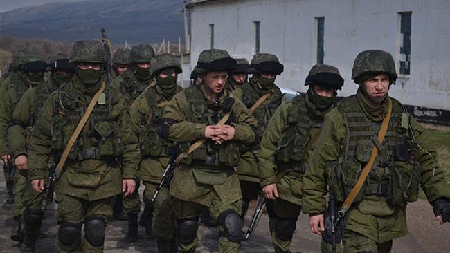 Gröna gubbar på Krim. Foto: Anton Holoborodko