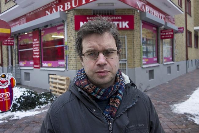 Måndagsintervjun: Johannes Nilsson pratar ut med Nyheter Idag. Om knarkandet, familjelivet och om sin andra chans i det nyvunna erkännandet som författare efter framgångarna med romanen Blodtörst. Foto: Oscar Norling