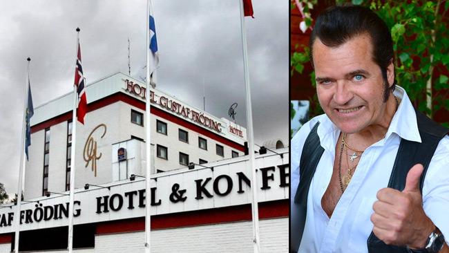 Nu uppmanas till bojkott mot hotellet efter att Jezewski inte får spela på grund av politiska sympatier. Foto: Frankie Fouganthin