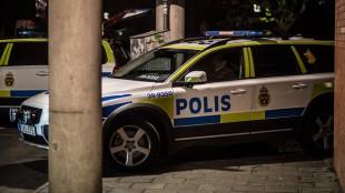 Polisbilar i trångt utrymme. Bilden är tagen vid ett annat tillfälle. Foto: Nyheter Idag