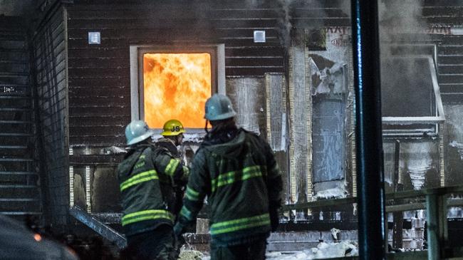 """Kraftig brand i asylanläggning: """"Jag är helt säker på att en boende har tänt på"""""""