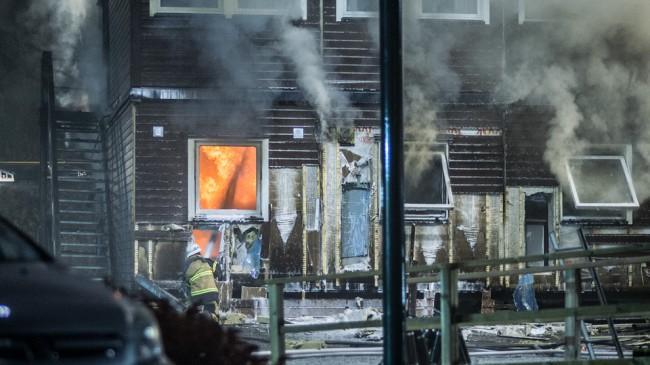 Brandkåren kämpade i flera timmar med att släcka branden. Foto: Nyheter Idag