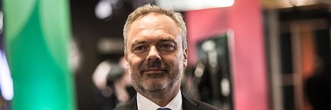 Björklund lovar att respektera ett nej till Nato i en eventuell folkomröstning