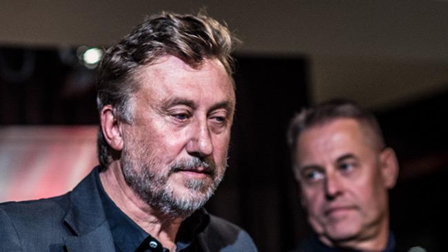 Josefsson var på hugget på PK-debatt. Foto: Nyheter Idag