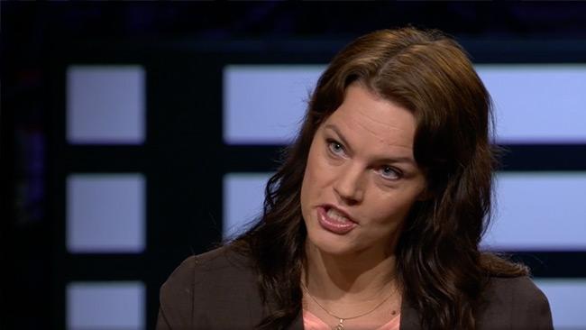 Palm fick kommentera sitt eget tonläge i Agenda efter att Nyheter Idag tryck på mot SVT. Foto: svtplay.se