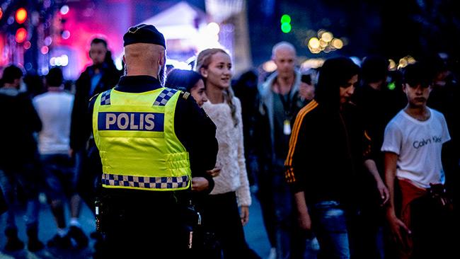 Ungdomsfestivaler har kommit att bli ämne för debatten om invandrares brottslighet. Foto: Nyheter Idag. (Ja, det är Lamotte i bakgrunden)