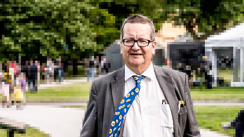 Stig-Björn Ljunggren menar att det är en svår balansgång för M. Foto: Nyheter Idag