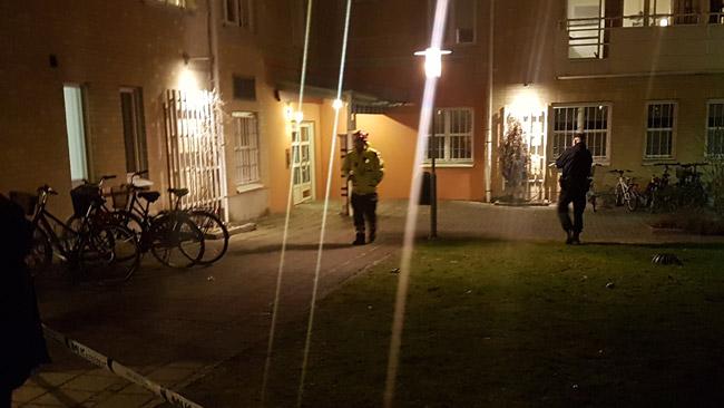 Polis har spärrat av på platsen. Foto: Torbjörn Karfunkel