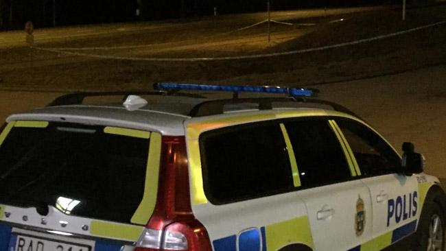 Polisen är på plats i Olofström. Foto: Läsarbild