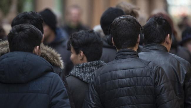 """Larmet: Ensamkommande säljer sex till """"äldre"""" mot boende"""