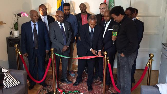 Utrikesminister Dr. Saad Ali Shire inviger representationskontoret. Foto: Nyheter Idag