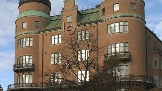 LO-profil hyrde ut lägenhet till transvestiters bordellverksamhet