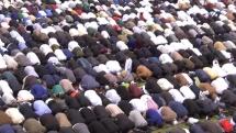 Skärpt säkerhet när tiotusentals muslimer samlas till gemensam bön