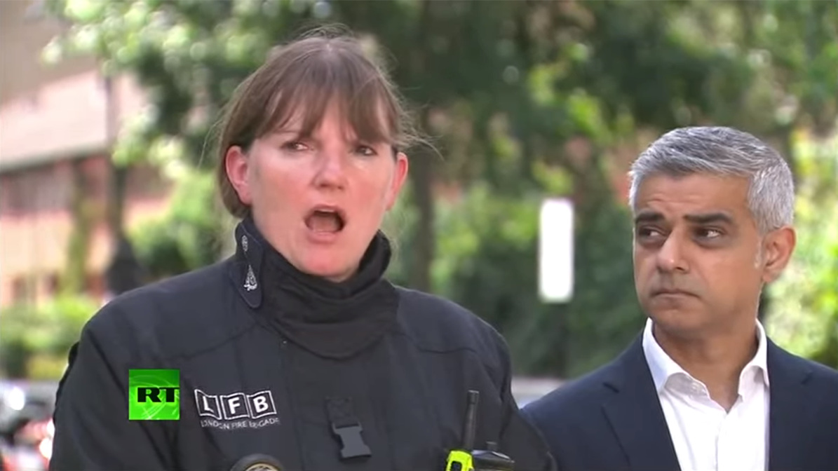 Londons brandchef Dany Cotton och borgmästaren Sadiq Khan. Foto: RT