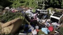 EU-migranter slog läger i två veckor – lämnade 250 ton sopor efter sig