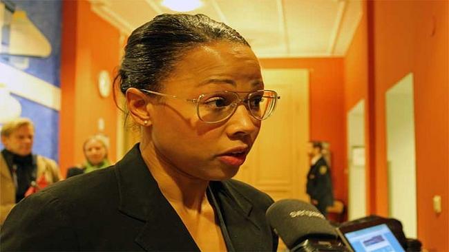 Alice Bah Kuhnke: Polisen ska prioritera hot mot politiker, journalister och kulturarbetare