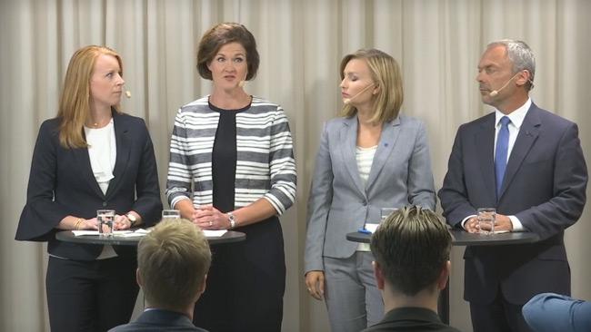 Allianspartierna riktar misstroendevotum mot tre av regeringens ministrar.