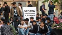 Ensamkommande flyktingbarn demonstrerar i Stockholm. Foto: Nyheter Idag