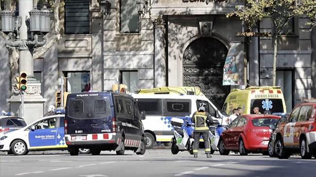 IS tar på sig ansvaret för terrordådet i Barcelona