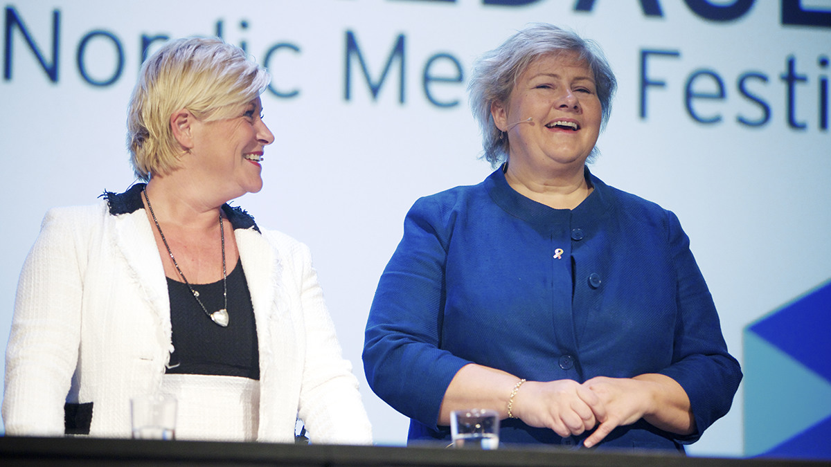 Siv Jensen (FrP) och Erna Solberg (H). Foto: Eirik Helland Urke
