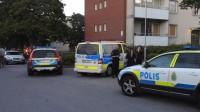 Det var ett stort polispådrag på platsen. Foto: Läsarbild