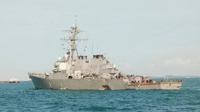 Tio amerikanska sjömän saknas efter kollision på havet