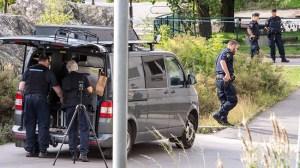 Ung man ihjälskjuten i garage i södra Stockholm