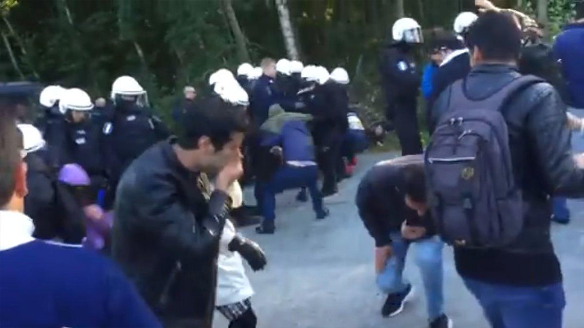 Poliser brannskadade nar de grep brinnande man