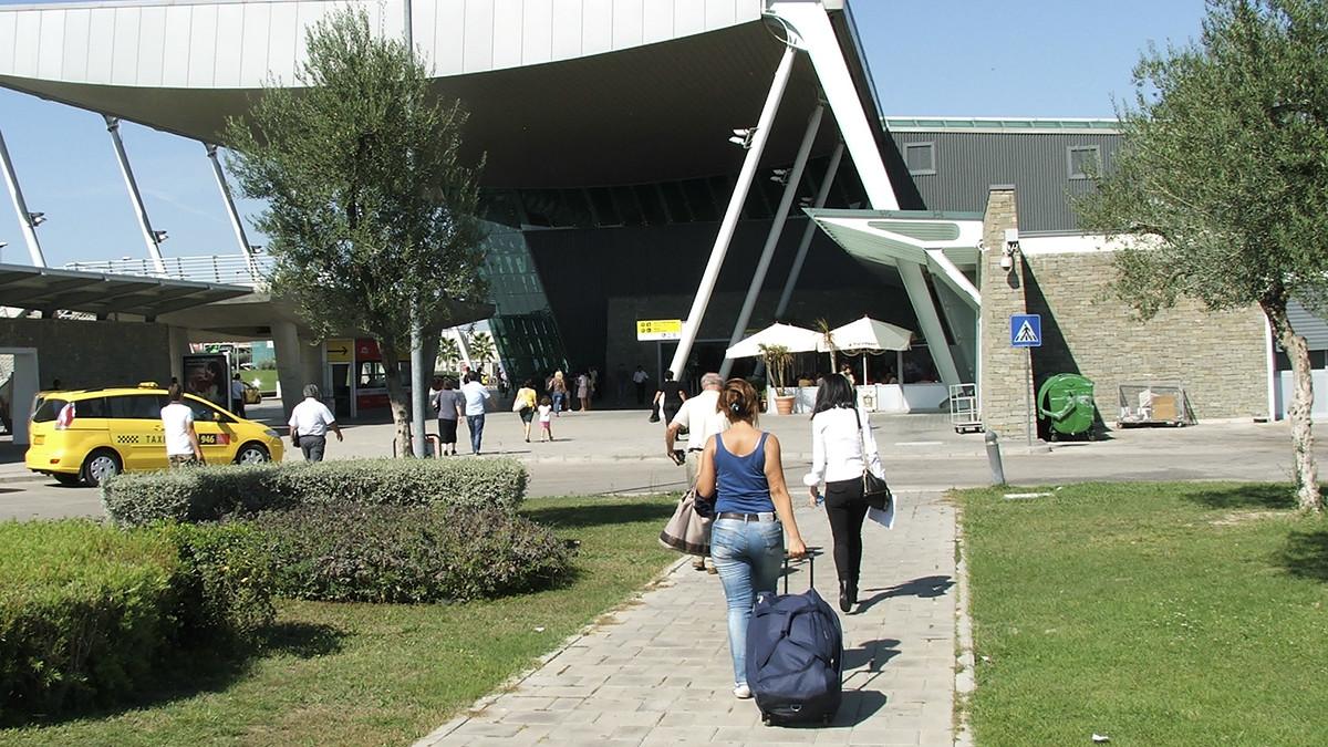 Flygplatsen i Tirana. Foto: gypsy in moda