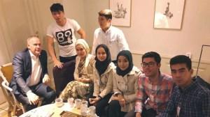 Vänsterpartiet och Ung Vänster ger stipendium till afghanorganisationen Ung i Sverige