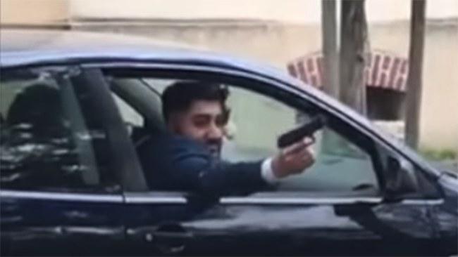 Kapare tog bil under vapenhot