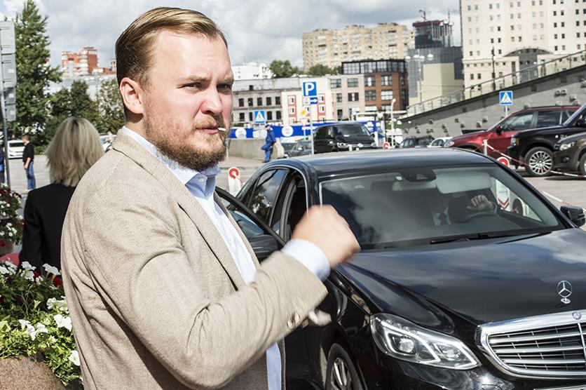 Pavel Gamov på väg till nyhetsbyrån Tass. Foto: Nyheter Idag