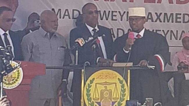 Muse Bihi Abdi, 69, svär presidenteden i Somalilands huvudstad Hargeisa. Foto: privat