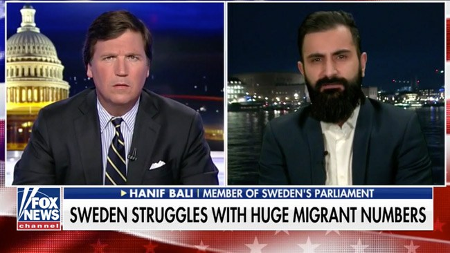 """Tucker Carlson om Hanif Bali: """"Den mannen kan bli Sveriges nästa statsminister"""""""