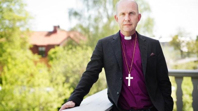 NI frågar biskopen som välkomnade böneutrop: Kan muslimer komma till himlen?