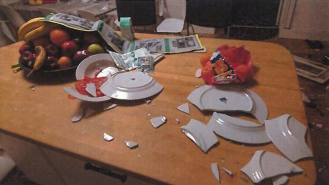 Afghanen gick lös på inredningen i HVB-hemmet. Bild ur förundersökningen. Foto: Nyheter Idag