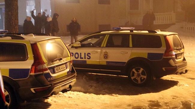 Uppgifter: Två män sköts i kallblodigt bakhåll – polisjakt efter gärningsmän