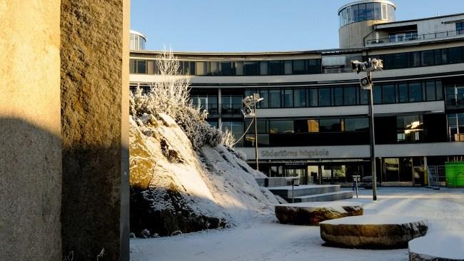 """""""Utbildar vänsterextremister"""" – Södertörns högskola utsatt för """"propagandakampanj"""""""
