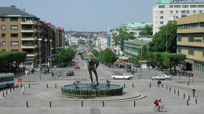 """Nya brottstrenden: Rånare rycker halsband av äldre damer i Göteborg –""""talade engelska"""""""